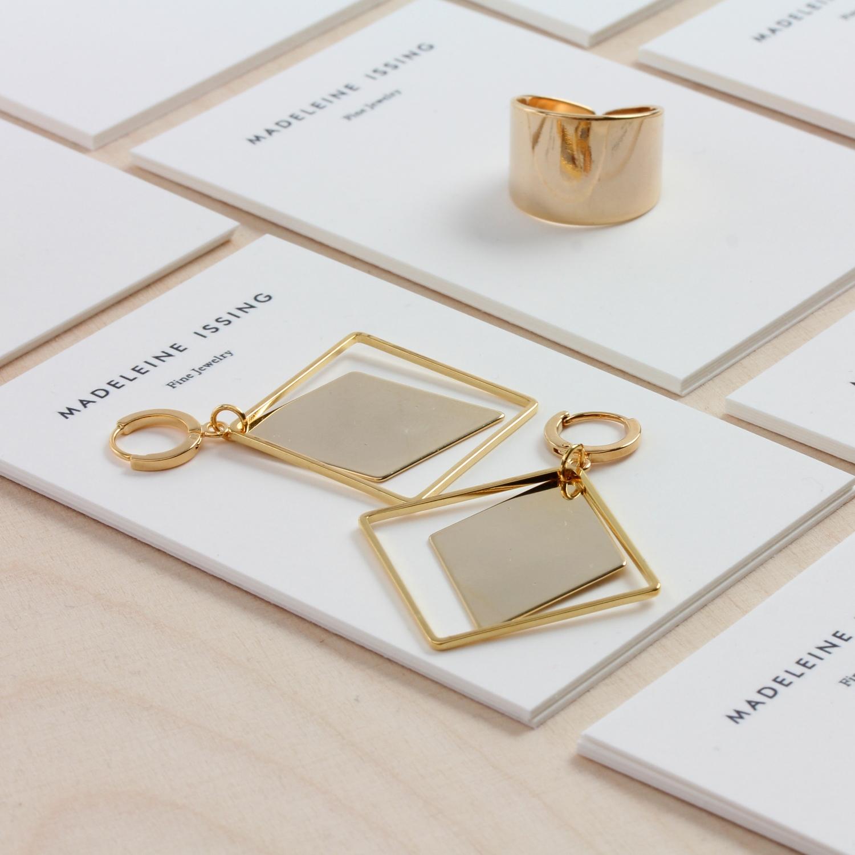 moderne ohrringe gold vergoldet madeleine issing. Black Bedroom Furniture Sets. Home Design Ideas