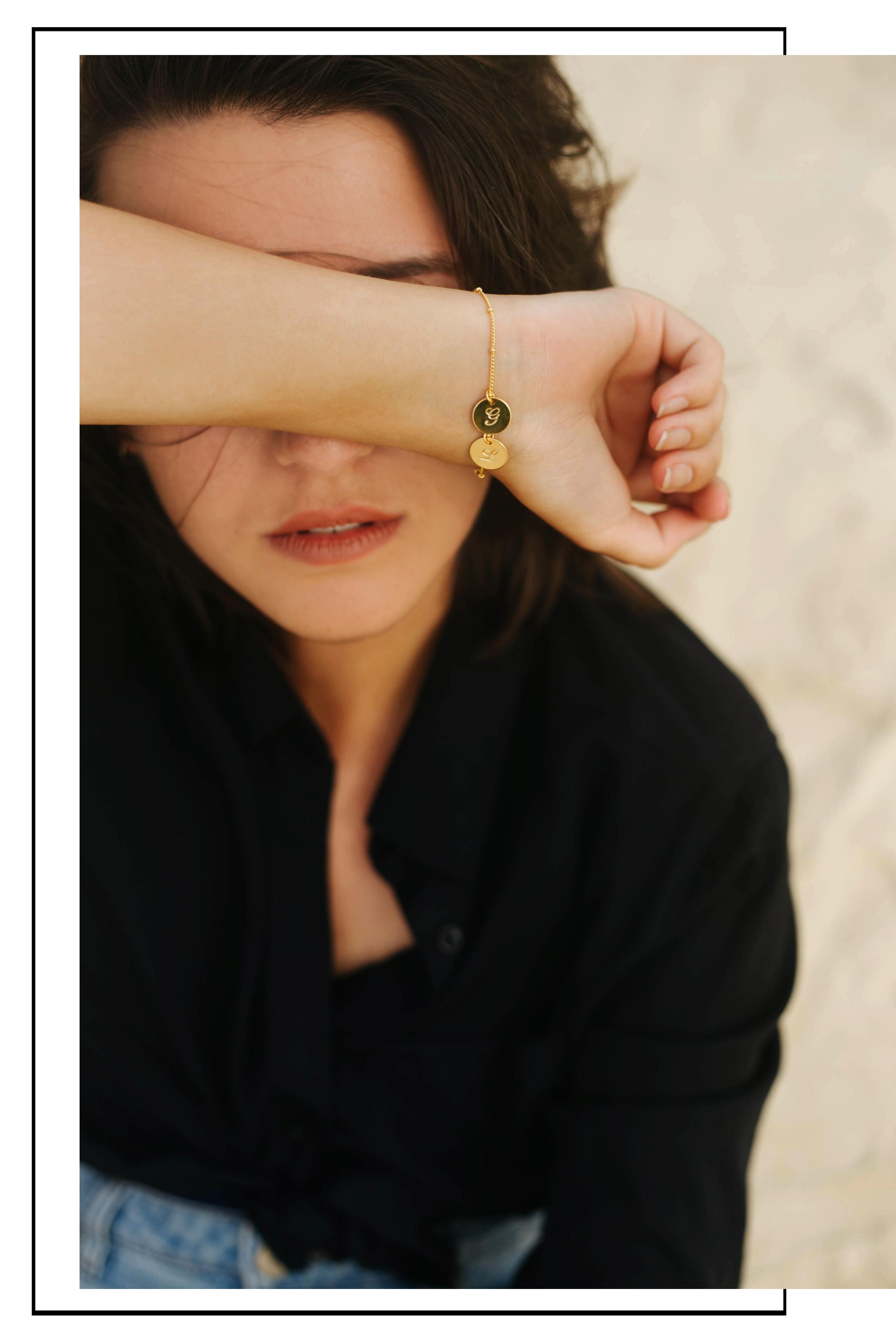 Armbänder mit Plättchen Madeleine Issing