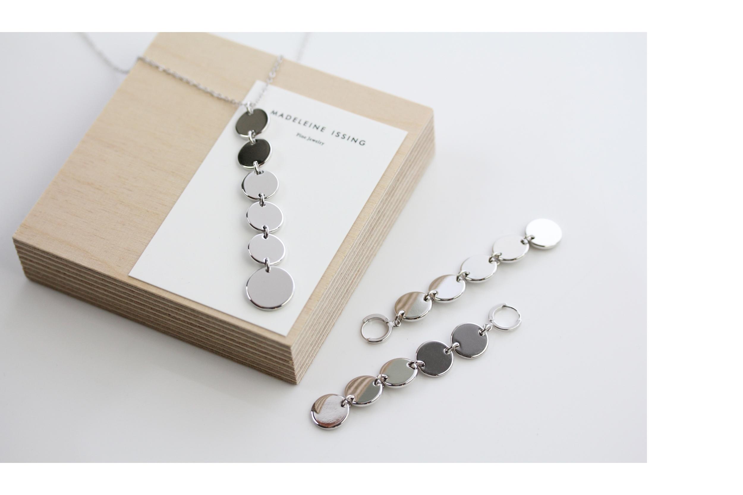 enge Halsketten in Silber Madeleine Issing