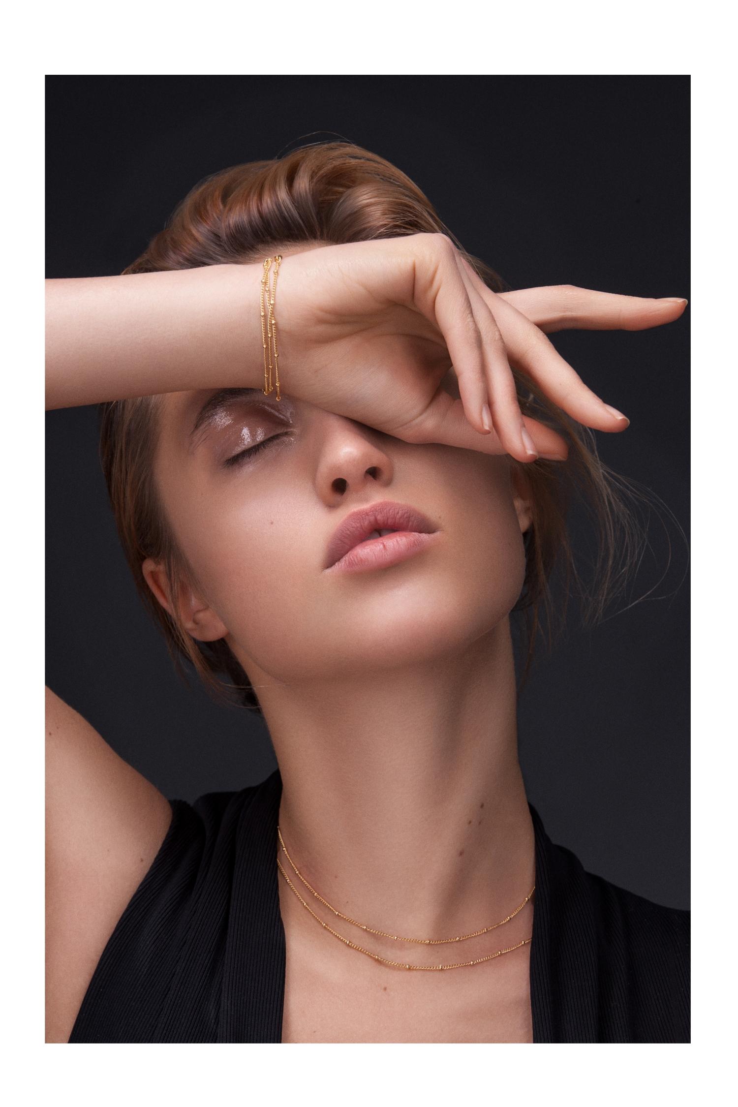 filigrane Choker Ketten im modernen Design Madeleine Issing