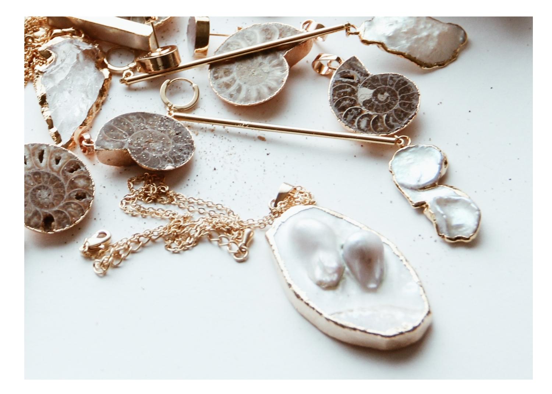 Muschelperlen Ketten weiß in Gold und Silber Madeleine Issing