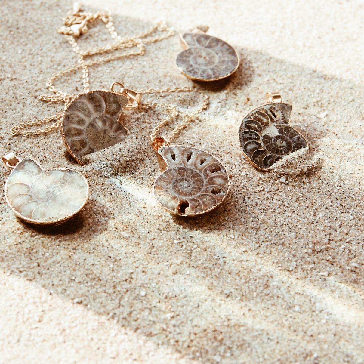 Ethno Halsketten in Gold und Silber Madeleine Issing