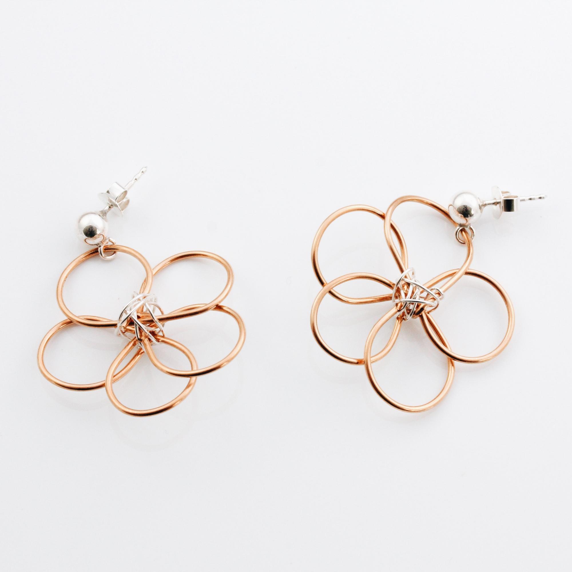 Blumen Ohrstecker in Gold und Silber Madeleine Issing