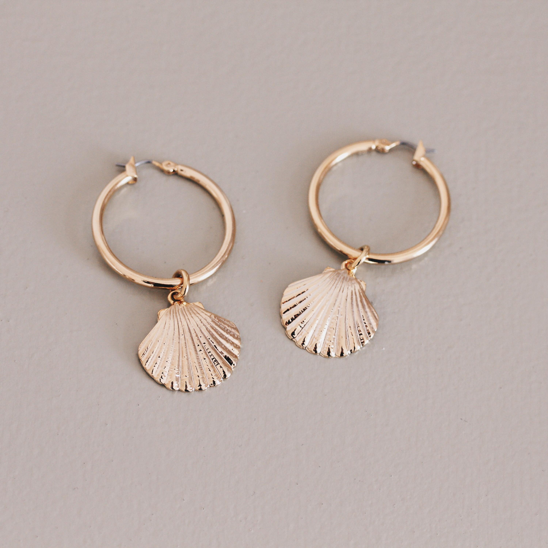 Muschel Ohrringe in Gold und Silber Madeleine Issing