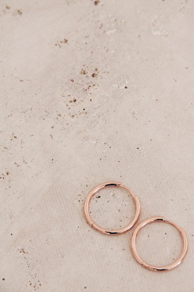minimalistische Rosegold Ohrringe Madeleine Issing